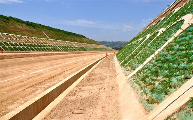 植生袋格构梁护坡绿化结构系统
